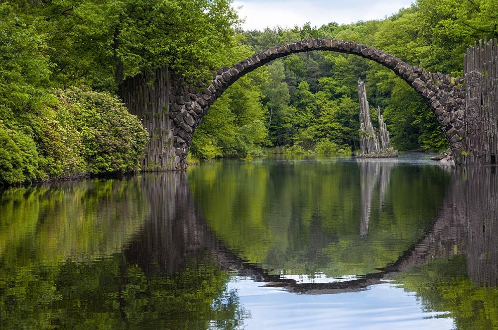 Rakotzbrücke im Landschaftspark Kromlau